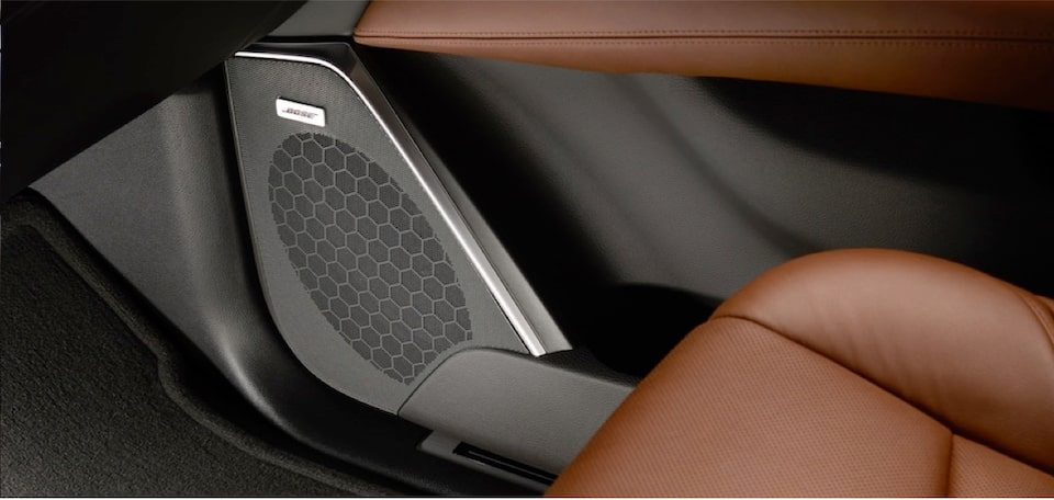 escalade-interior-features-bose-speakers-m-s