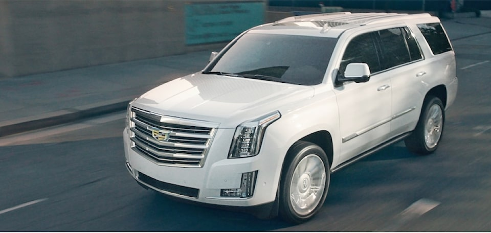 escalade-performance-features-engine-m-s