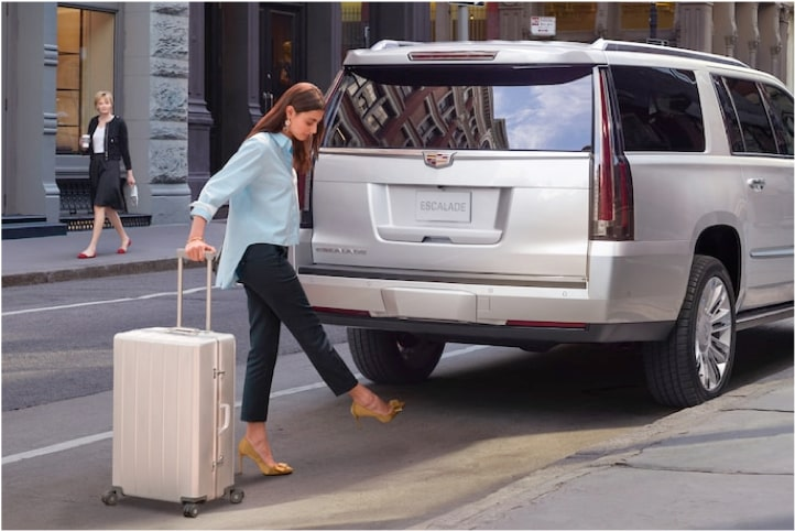escalade-exterior-features-liftgate-l
