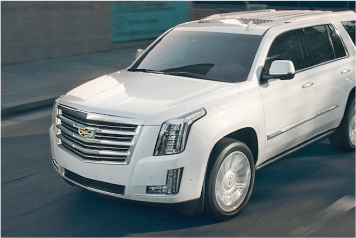 escalade-performance-features-engine-l