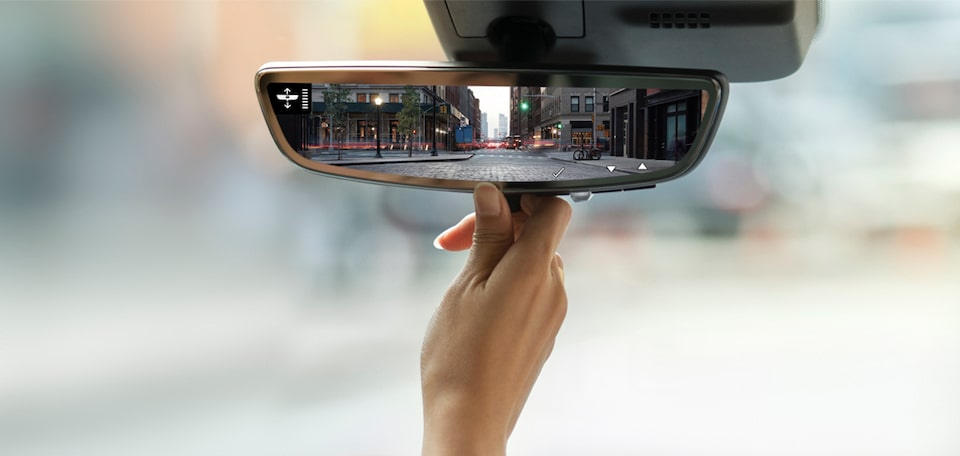 XT4 rearview mirror